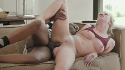Bailey Brooke seduces mom's bbc bf to ripp off her pants & fuck her