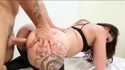 Thick ass babe gets throbbing dick in her mouth and butt