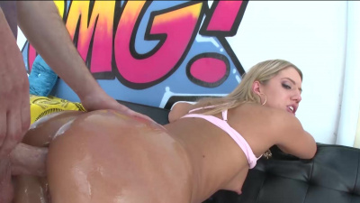 All-natural blonde Candice Dare gets her asshole stretched to the max