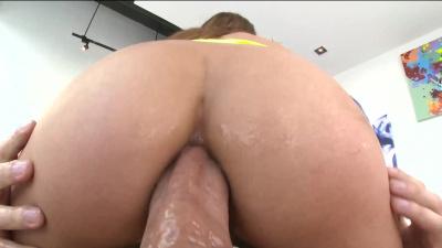 Slender Spanish Moka Mora shows her anal flexibility