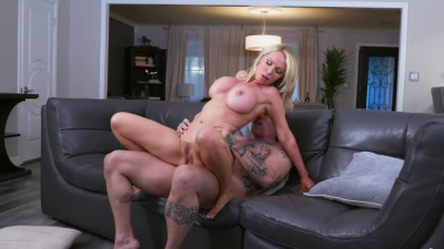 Super hot milf Nikki Benz seducing plumber