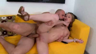 Hung stud goes to town on Tiffany Flowers pussy