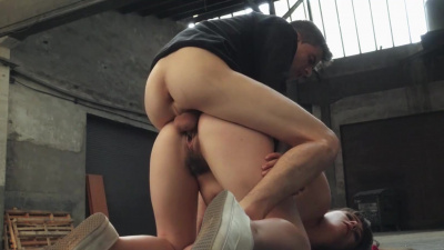 Sex addict Luna Rival needs her treat