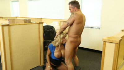 Milf with giant tits Alyssa Lynn fucks her boss to avoid problems with slacking off