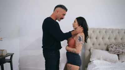 Zanna Blue tries her husband's brand new high-tech robocock