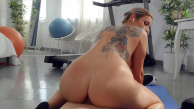 Fitness chick Marica Chanelle works that cock as a cardio routine