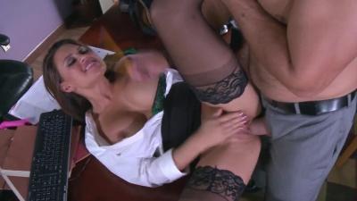 Boss slip his dick inside Eva Angelina holes & tape it on a hidden camera
