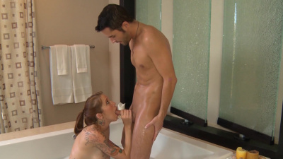 Inked masseuse Callie Nicole coaxing the cum right out of her customer