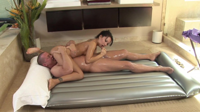 Rich guy blows his load in Asa Akira's mouth