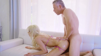 Buxom Riley Steele has anal sex with lots of oil