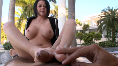 Amazing Loni fulfills her man's foot fetish fantasy