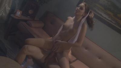 Beautiful Kinzie Kenner drops her panties to seduce her crush